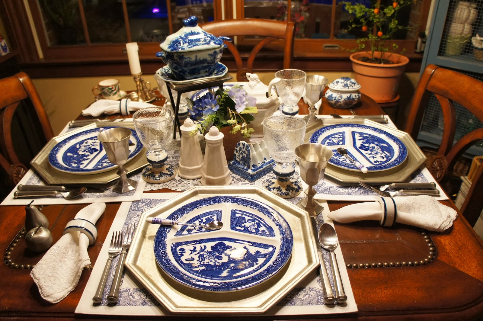Christineu0027s Home and Travel Adventures Blue Willow Divided Plates and Pewter & Christineu0027s Home and Travel Adventures: Blue Willow Divided Plates ...