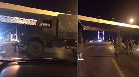 İstanbulda Asker Köprüyü Kapattı
