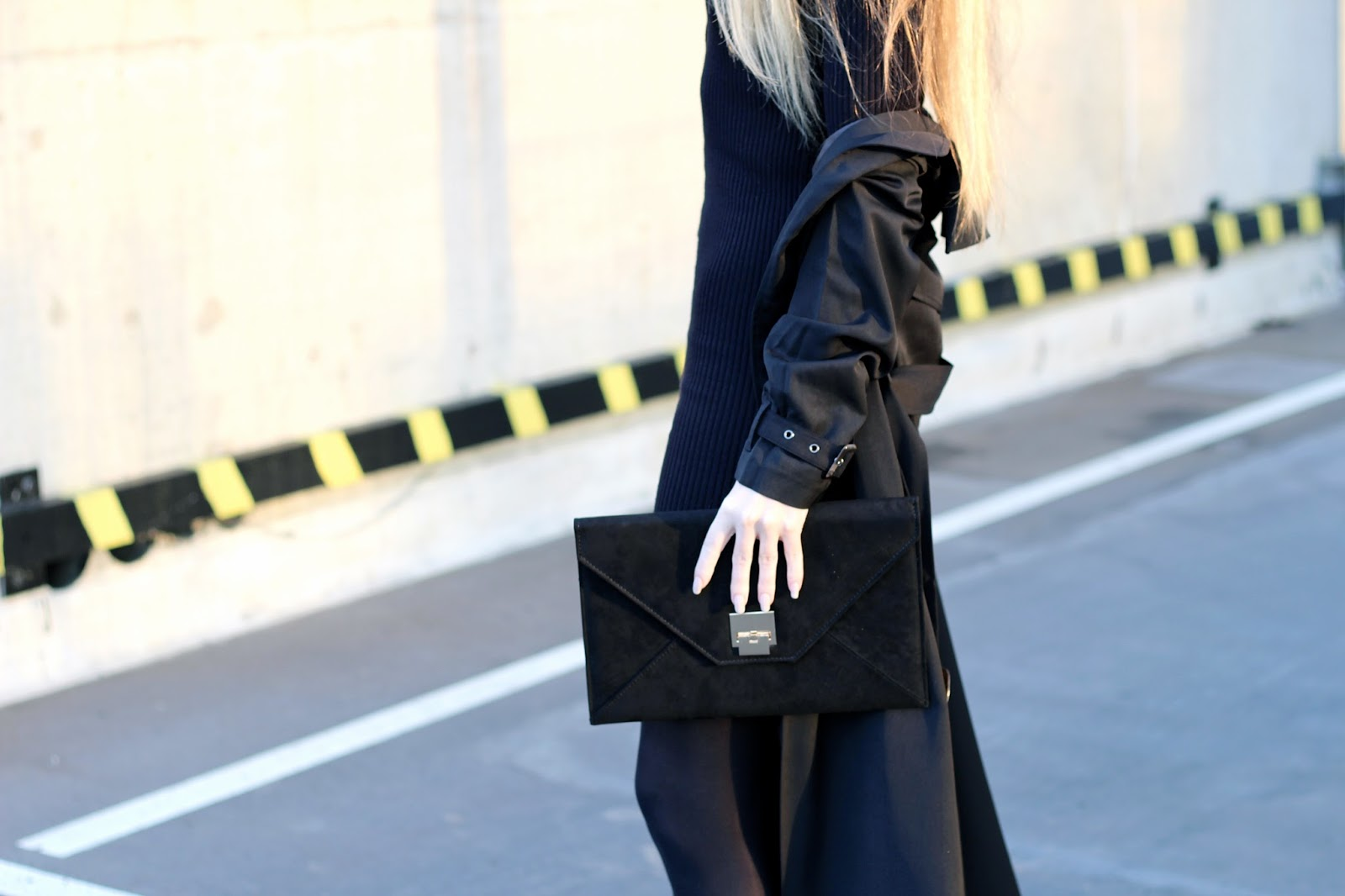 Styling an envelope clutch for daytime autumn winter