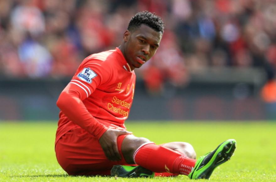 Sturridge-holding-his-leg