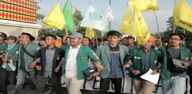 BEM Unila Gelar Aksi, Ajak Mahasiswa Se-Indonesia Bergerak