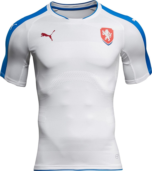 52a00566a6 ... a Puma apresentou a nova camisa reserva que será usada na temporada  2016. O modelo é predominantemente branco com faixa nos ombros em azul.