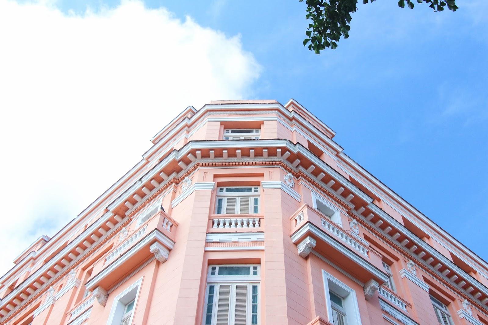 Façade rose de l'hôtel Ambos Mundos à La Havane - Cuba