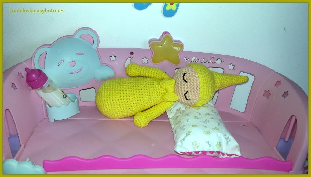 Conhiloslanasybotones: dormilón amigurumi con pajarita