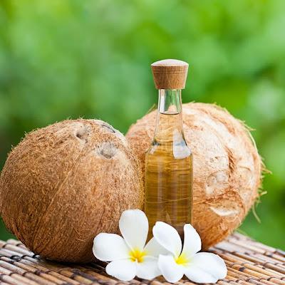 Cách làm căng da mặt tự nhiên với dầu dừa