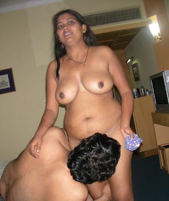 hot beautiful aunty getting love from her bf