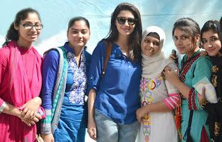 Admissions Open in Iqra University - IU Karachi - mahira khan at iqra university karachi
