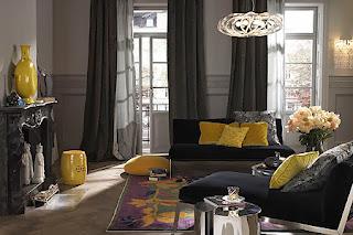 Salas en color gris y amarillo