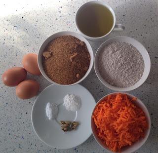 Ingredientes bizcocho de zanahoria y cardamomo
