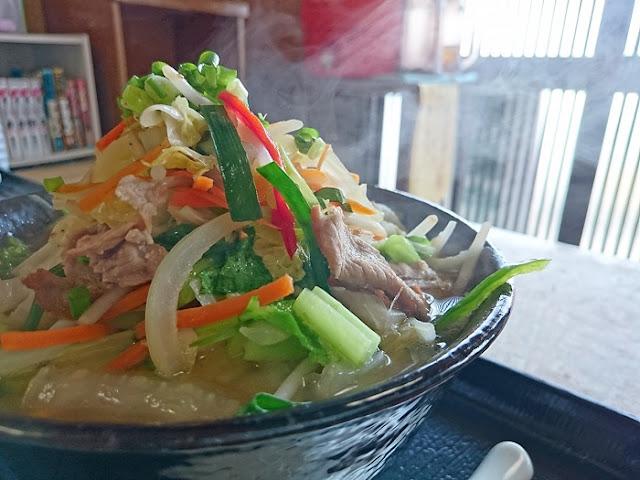 沖縄野菜そばの写真