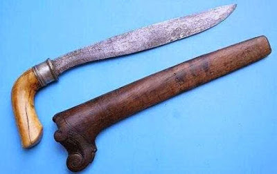 Provinsi Nusa Tenggara Timur - Senjata Tradisional : Sundu
