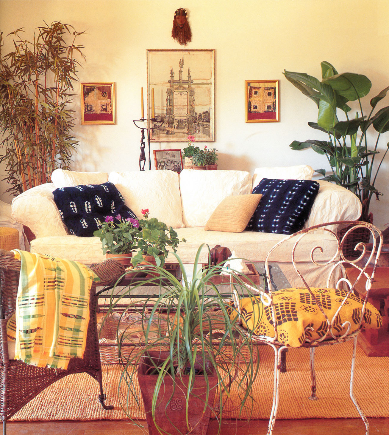 African Decorating The: Apartmentf15: Decorating With African Masks-2