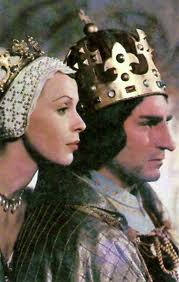 Laurence Olivier and Claire Bloom in Richard III movieloversreviews.filminspector.com