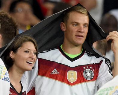 Kathrin Gilch dan Manuel Neuer