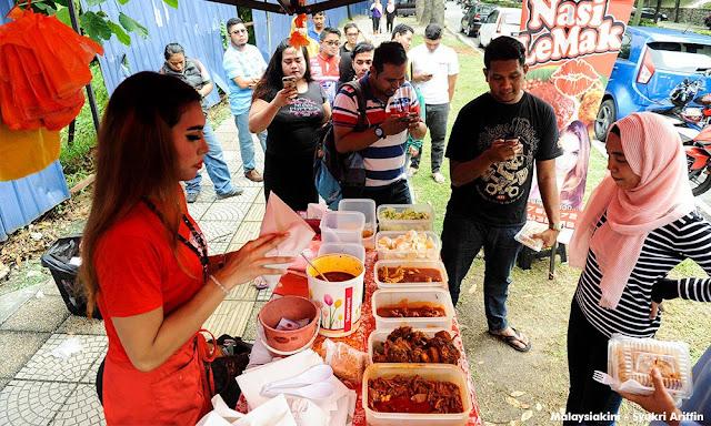 Nasi Lemak Pondan The Latest Sensational Nasi Lemak Stall In Cheras Kuala Lumpur
