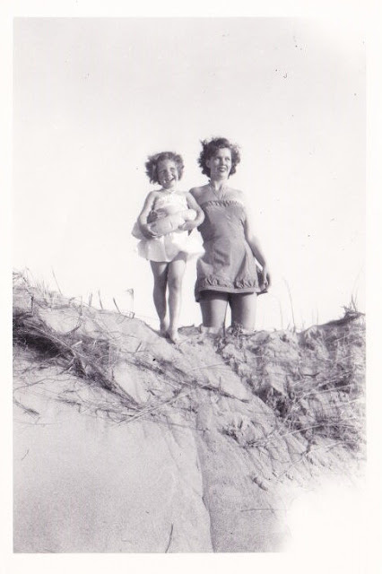 Mother, Daughter, Beach, Plum Island, Ipswich, Massachusetts, sand, sand dune, b&w, black &white, photo