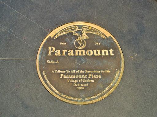 Paramount Plaza - Grafton WI
