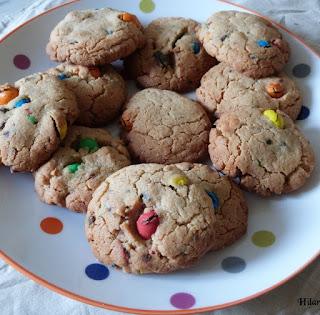 https://danslacuisinedhilary.blogspot.com/2013/07/cookies-aux-m-m-cookies.html