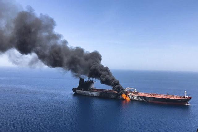 Έλληνες ο νεκρός και ο τραυματίας στη φωτιά σε φορτηγό πλοίο στην Αραβική Θάλασσα