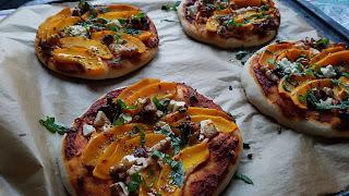 https://cupcakeluvs.blogspot.com/2018/11/hokkaido-feta-valnd-pizza-hokkaido-feta.html