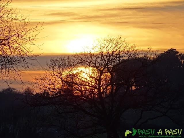 Puesta de Sol sobre Sariego