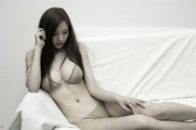 Zhou Wei Tong Lingerie