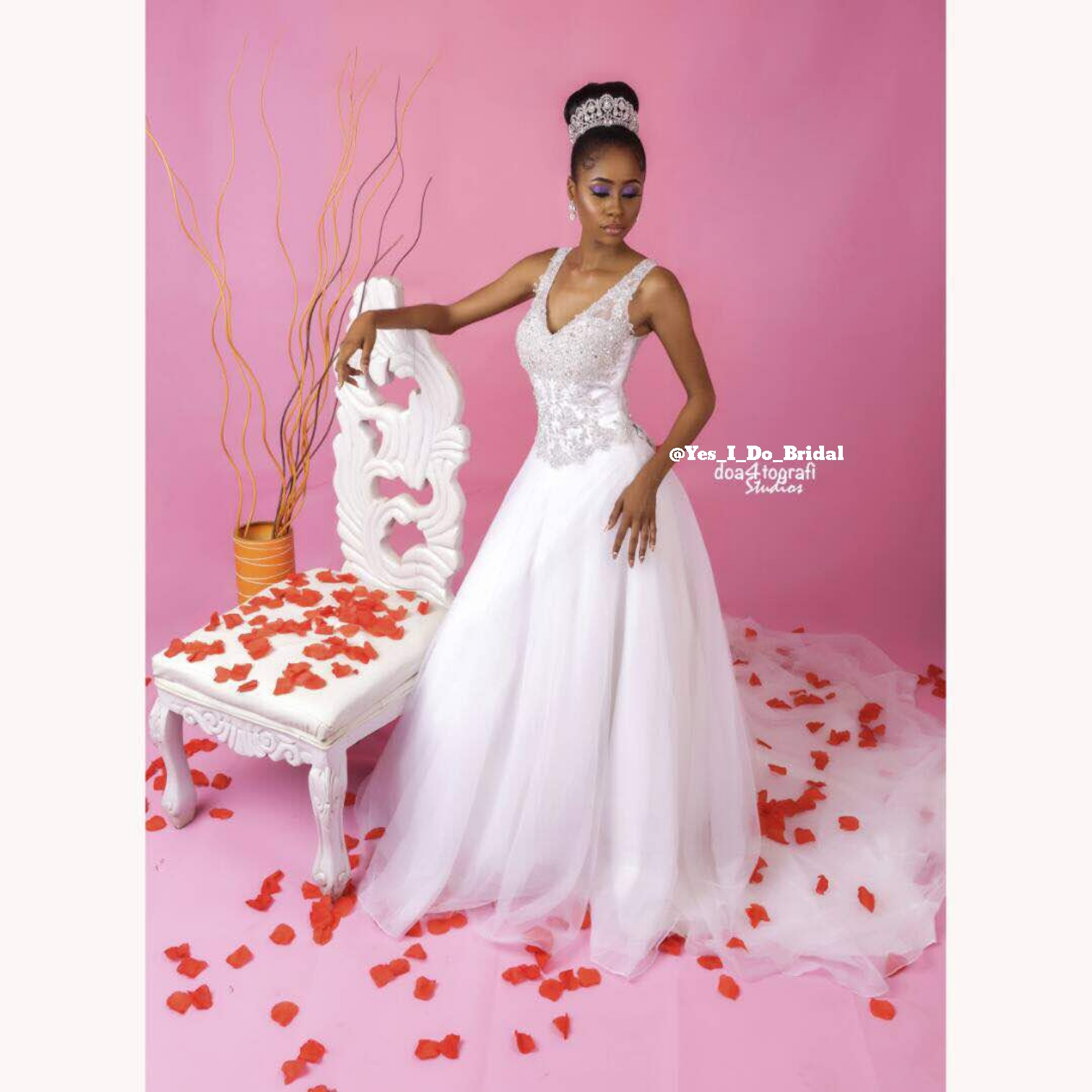 YES I DO BRIDAL'S PINK AND PEARL LOOK BOOK