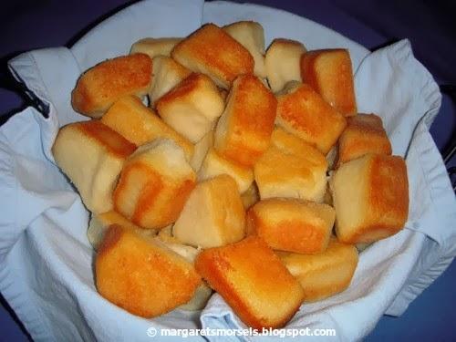 Margaret's Morsels | Better than Garlic Bread Pull Apart Rolls