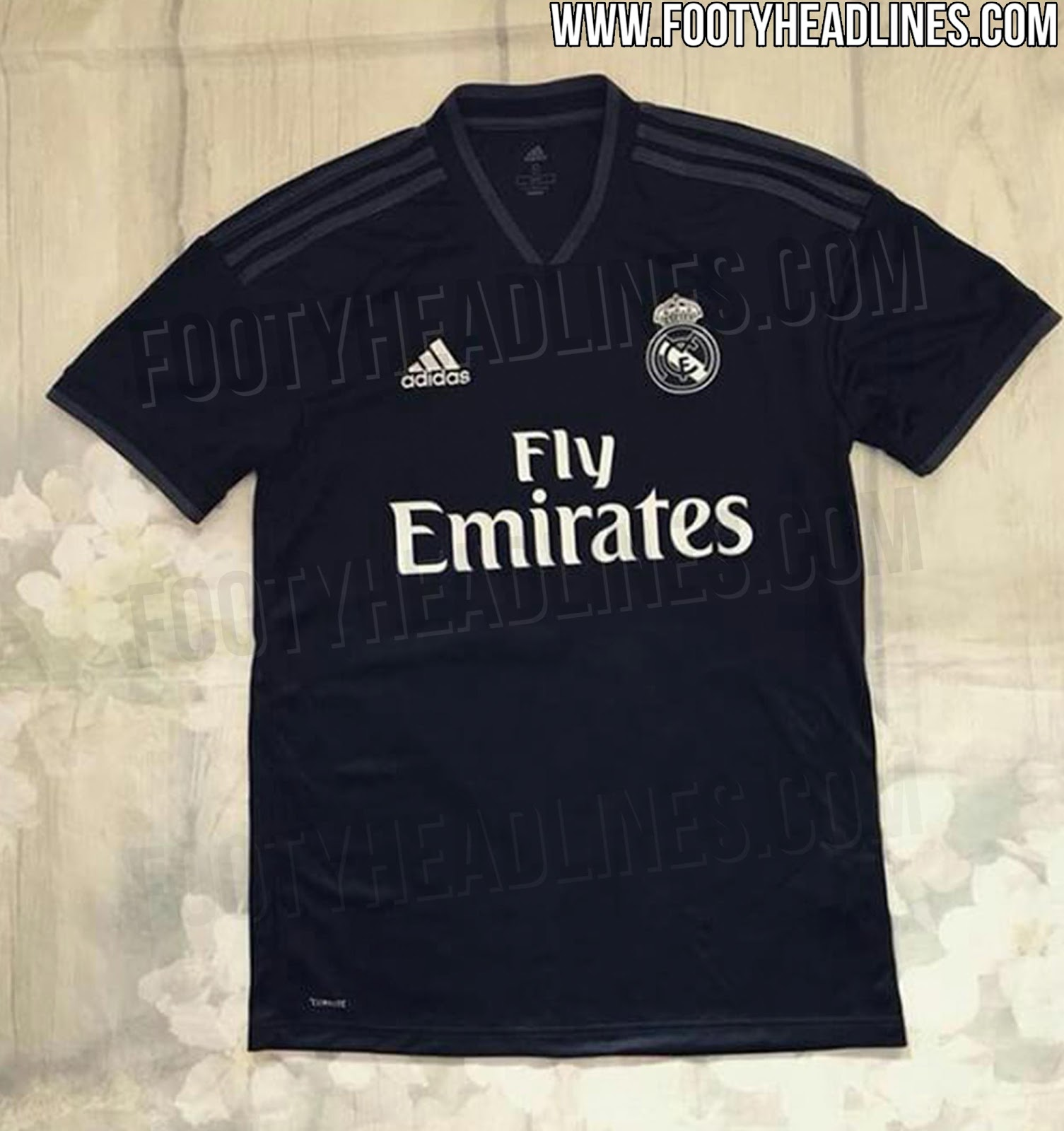 real-madrid-18-19-away-kit%2B%25282%2529