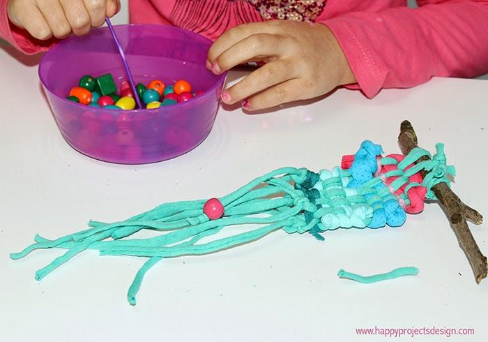 Telar de trapillo DIY con niños