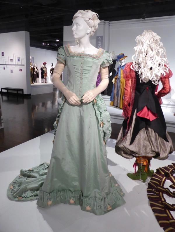 Alice Looking Glass Alexandra film costume