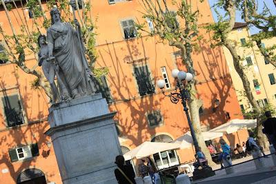 Piazza Napoleone in Lucca