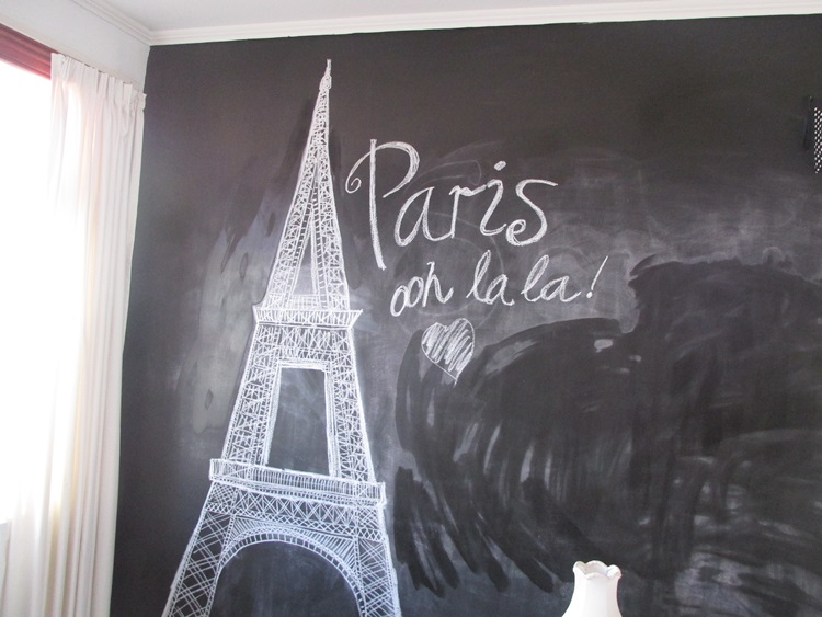 Eiffel Tower chalkboard sketch