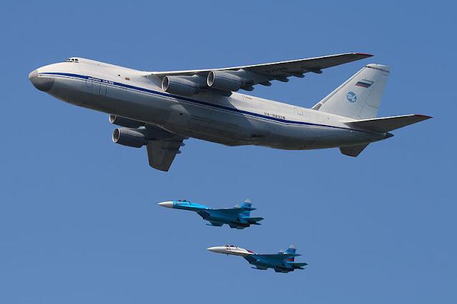Gambar 11. Foto Pesawat Angkut Militer Antonov An-124 Ruslan