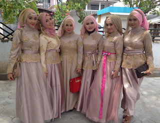 Model Kebaya Muslim Untuk Wisuda