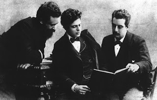 Franchetti (left), pictured with his friends and fellow composers Pietro Mascagni and Giacomo Puccini