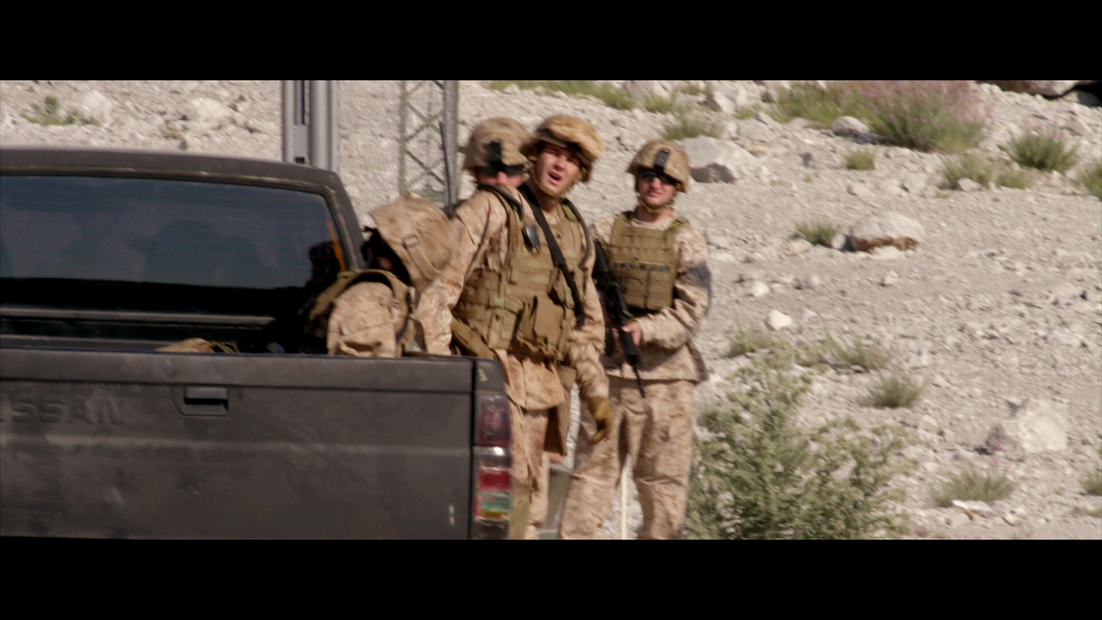 Soldado Anonimo 2 Terreno Peligroso (2014) 1080p BD25 7