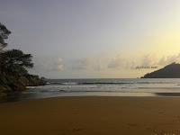 """Pantai Dukuh Munjungan """"Pantai Sunyi Dengan Ombak Laut Selatan"""""""