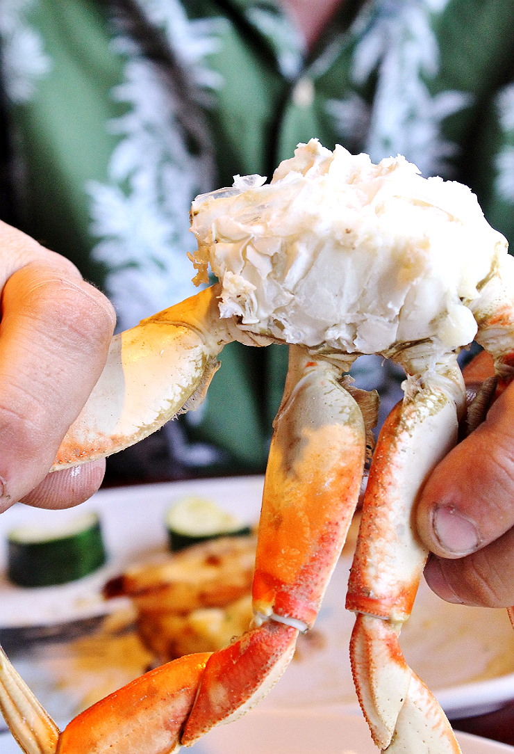 Wild Caught Dungeness Crab Red Lobster #CrabfestSummer #AD