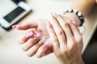 quick tip on quick drying nail polish