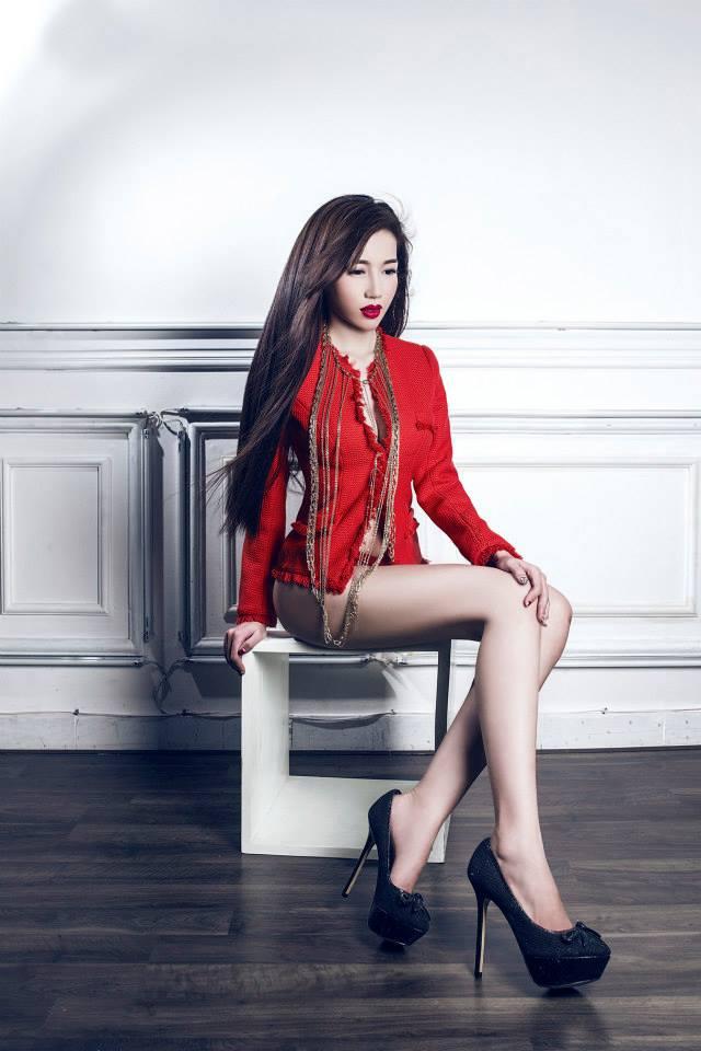 2 - Hot Model ELLY TRAN Beautiful Sexy