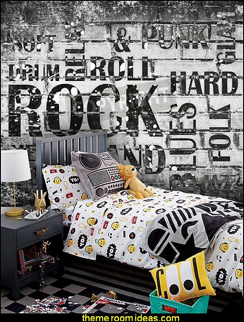 Breakdance Bedding music theme bedding music wall murals  Music bedroom decorating ideas - rock star bedrooms - music theme bedrooms - music theme decor - music themed decorations - bedding with musical notes