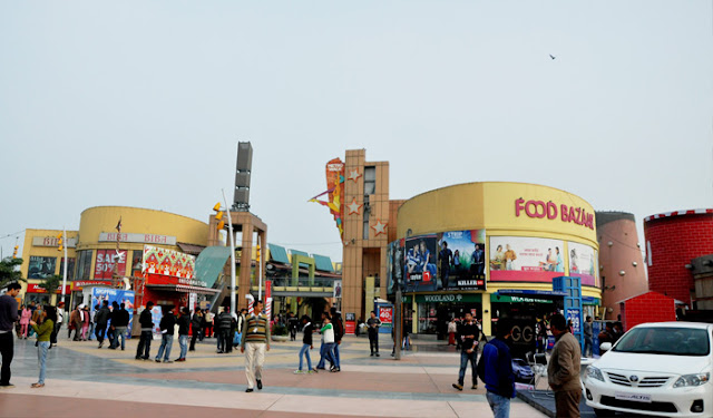Metro Walk Mall and Adventure Island