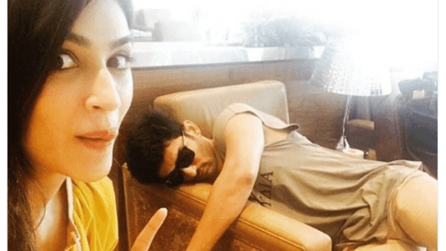 Kriti Sanon Picture with a sleeping SSR