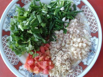 ภาพประกอบ กระเทียม (Garlic) และผักอื่นๆ