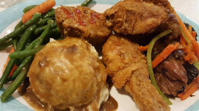 hollywood-studios-prime-time-cafe-50s-meatloaf-fried-chicken