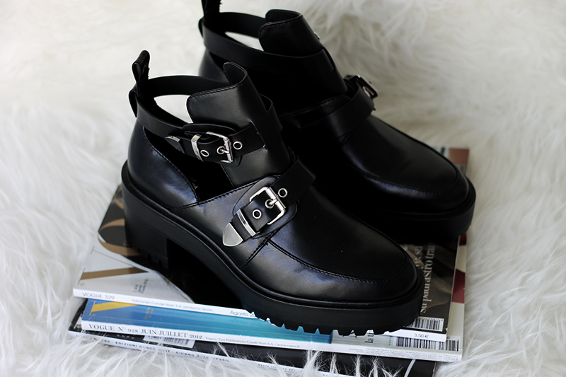 New In | Buckle Boots