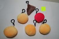 """Rückseite: Smakey®2""""mini Emoji Gesicht Express Plüsch Spielzeug Schlüssel Kette Tasche Zubehör Satz von 7"""