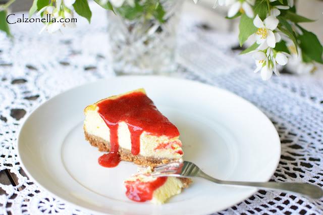 sernik-z-musem-truskawkowym