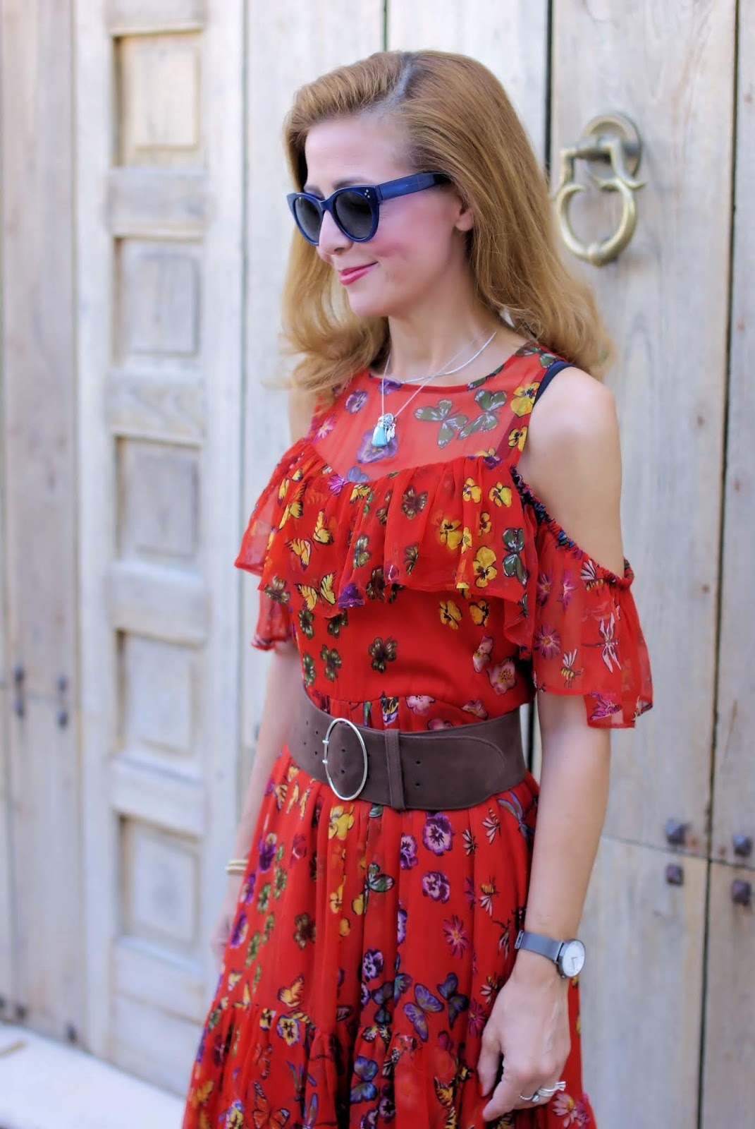 How to wear an open shoulder dress on Fashion and Cookies fashion blog, fashion blogger style